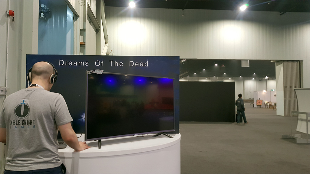 Trying other Saudi developers games (Dreams of The Dead) at Games Con 2018